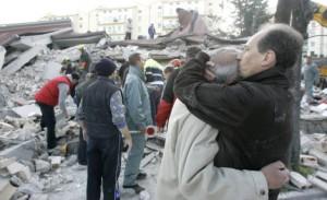 Il dramma degli abitanti colpiti dal terremoto